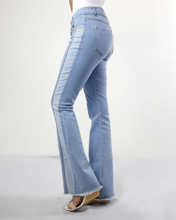 Calca-Jeans-Boot-Cut-com-Cortes-Baimha-Desfiada-Delave