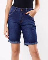 Bermuda-Jeans-Bainha-Desfiada-com-Tachas-Azul