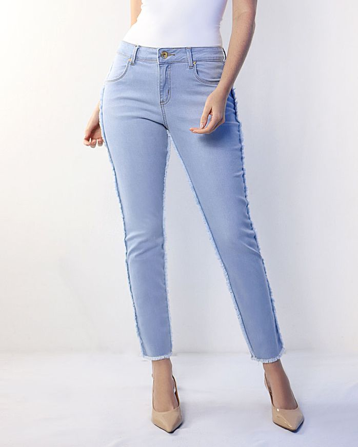 Calca-Jeans-Cropped-com-Desfiados-Azul
