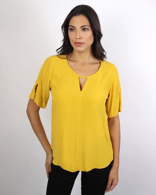 Blusa-Viscose-Decote-com-Abertura-e-Pespontos-Amarelo