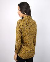 Camisa-Long-Line-Linho-Estampa-Animal-Print-com-Bolsos-Ocre