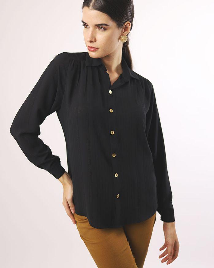 Camisa-Long-Line-Tecido-Texturizado-Manga-Longa-Ombro-Franzido-Preto-