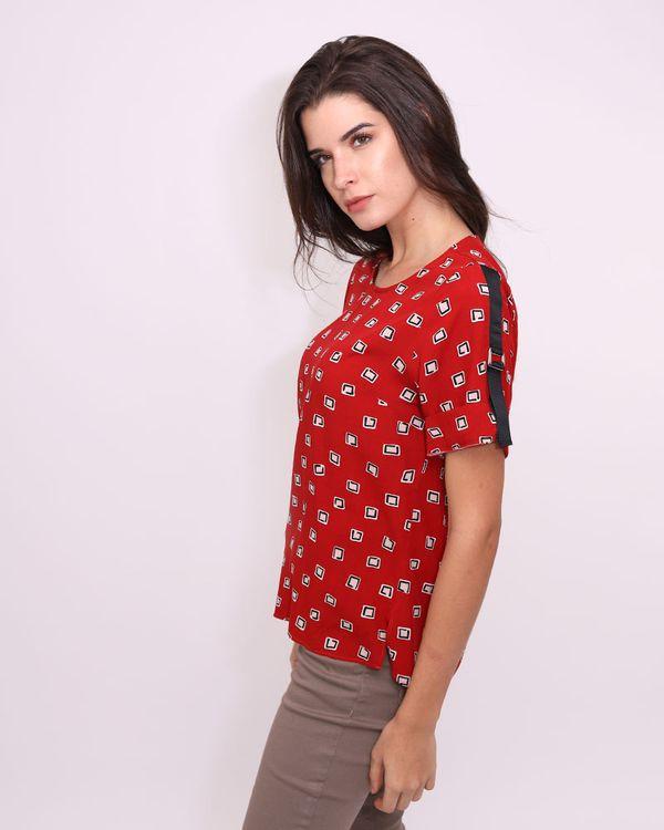 Blusa-Viscose-Estampado-Mangas-com-Gorgurao-e-Metais-Vermelho