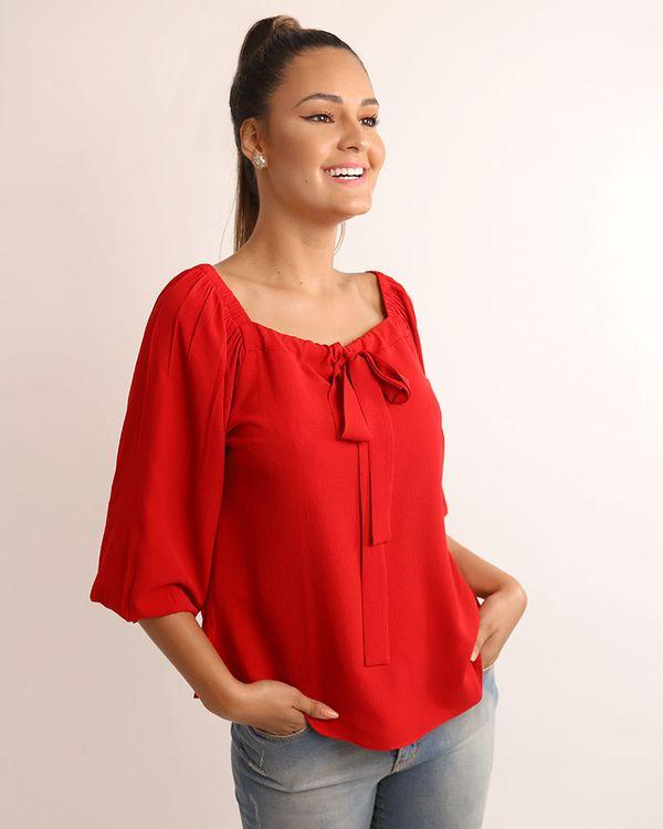 Blusa-Crepe-Decote-Geometrico-com-Laco-Vermelho-