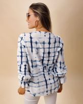 Blusa-Viscose-Estampa-Tie-Dye-Decote-com-Amarracao-Azul-