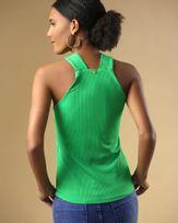 Blusa-Super-Cava-Malha-Canelado-Decote-com-Ilhoses-Verde-Pistache-