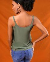 Blusa-Tecido-Decote-Botoes-Alcas-com-Elastico-Selvagem-