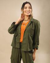 Camisa-Cropped-Tecido-com-Bolsos-Utilitarios-SelvagemCamisa-Cropped-Tecido-com-Bolsos-Utilitarios-Selvagem