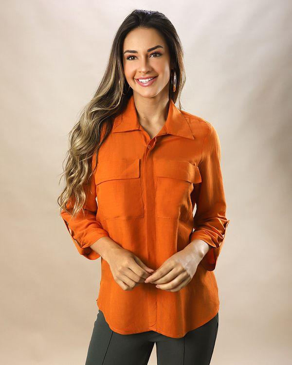 Camisa-Utilitaria-Tecido-Mangas-com-Martingale-Caramelo