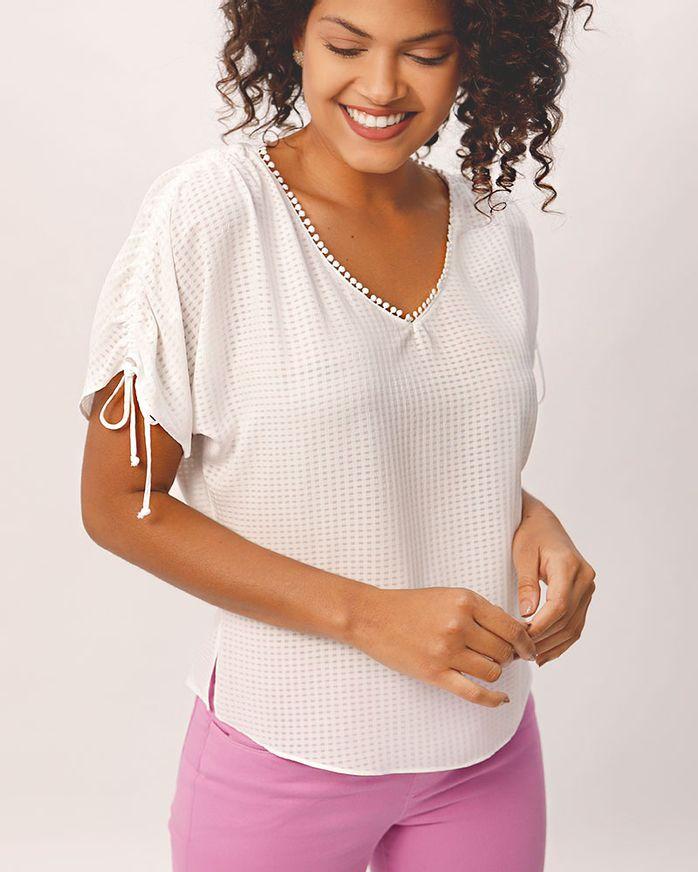 Blusa-Tecido-Texturizado-Regulagem-No-Ombro-Off-White