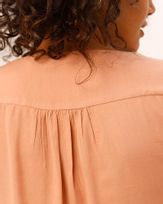 Blusa-Tecido-Decote-Pala-Bordada-Nude