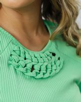 Blusa-Malha-Canelada-Trancado-Macrame-Verde