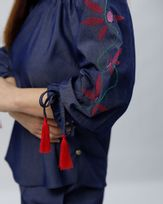 Blusa-Jeans-Mangas-Bordado-Floral-Azul