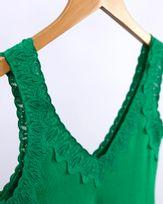 Blusa-Malha-Canelada-Decote-com-Renda-Verde-Luz-