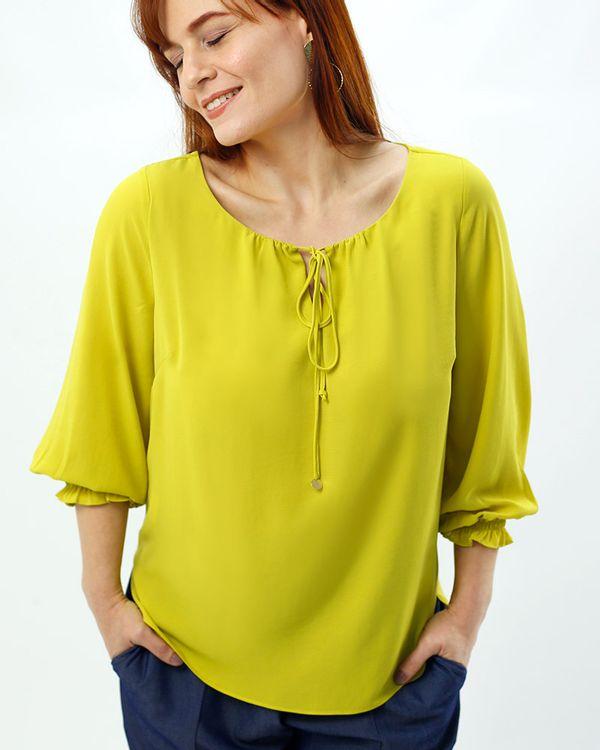 Bata-Tecido-Texturizado-Decote-Franzido-Amarelo-Alegria-