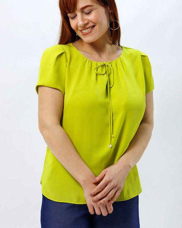 Blusa-Tecido-Texturizado-Decote-Franzido-Amarelo-Alegria-