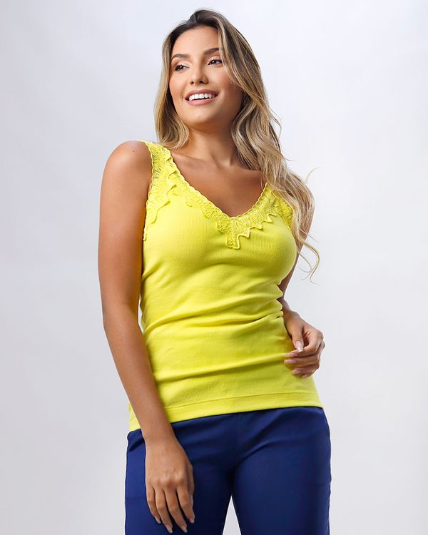 Blusa-Malha-Canelada-Decote-com-Renda-Amarelo-Alegria