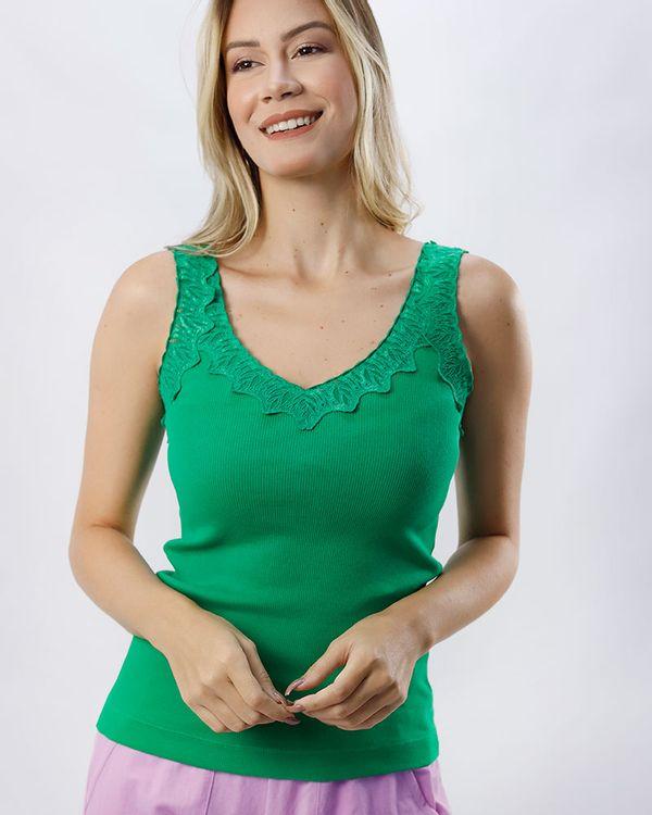 Blusa-Malha-Canelada-Decote-com-Renda-Verde-Luz